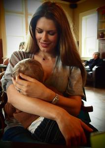 taramoss_feedingmydaughter